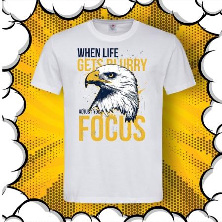 Мъжка тениска с картинка и надпис Just Focus
