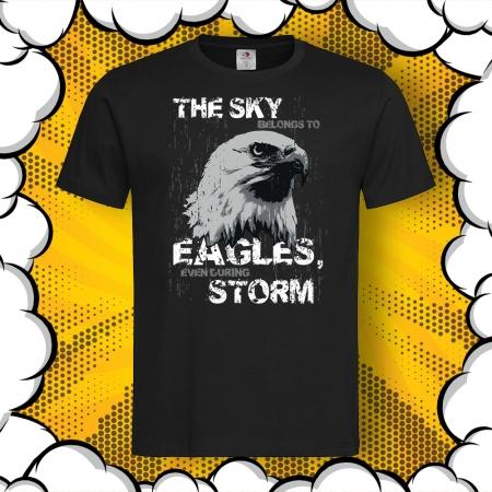 Мъжка тениска с надпис Sky belongs to eagles