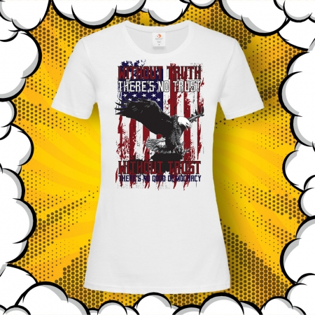 Дамска тениска с картинка и надпис Democracy